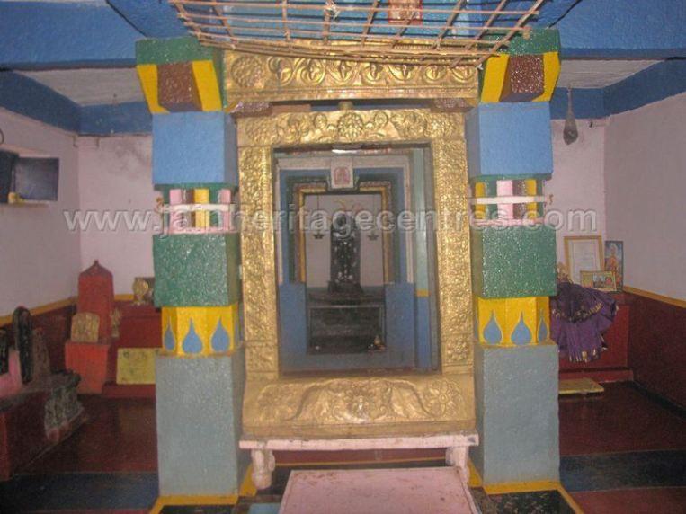 sri_parshwanath_swamy_digambar_jain_basadi_hatna_karnataka_20140629_1659069470