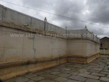 sri_shanthinath_and_anathanath_swamy_digambar_jain_temple_-_kandikere_20160515_1034656294