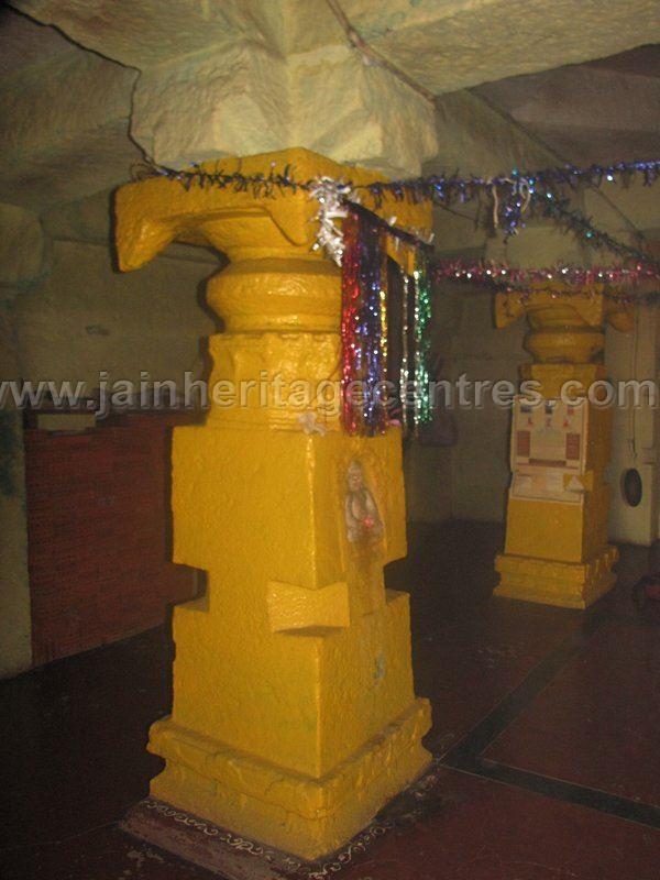 sri_shanthinath_and_anathanath_swamy_digambar_jain_temple_-_kandikere_20160515_1338355990