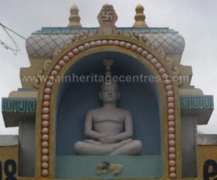 sri_shanthinath_and_anathanath_swamy_digambar_jain_temple_-_kandikere_20160515_1529860240