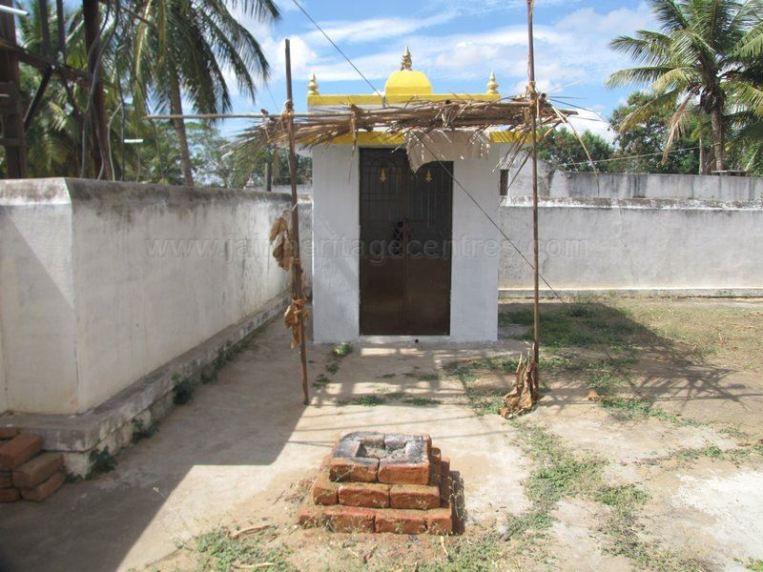 sri_shantinath_swamy_digambar_jain_temple_bidugalu_20130218_1756840641