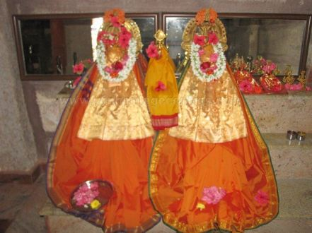 sri_suparshwanath_swami_digambar_jain_temple_midigeshi_karnataka_india_20130218_2068358278