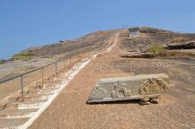 Mandaragiris-Jain-Heritage-Rediscovered-02-The-steps-leading-to-Mandaragiri-Hill