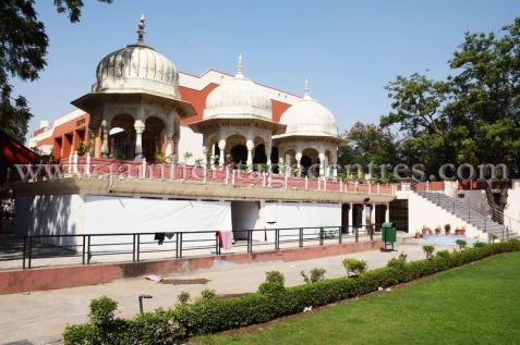 digamber_jain_nasiyan_bhattarakji_at_jaipur_20160622_1136476118