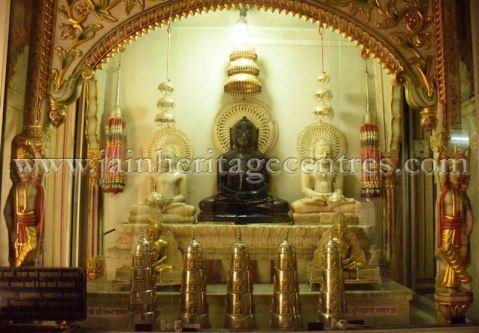 digamber_jain_nasiyan_bhattarakji_at_jaipur_20160622_1478157948