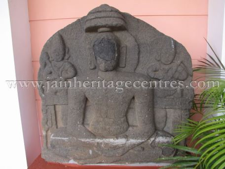 ruined_jain_tirthankar_idols_at_state_archaeology_museum_-_mysore_20160628_1498832628