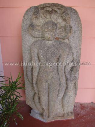 ruined_jain_tirthankar_idols_at_state_archaeology_museum_-_mysore_20160628_1592096978
