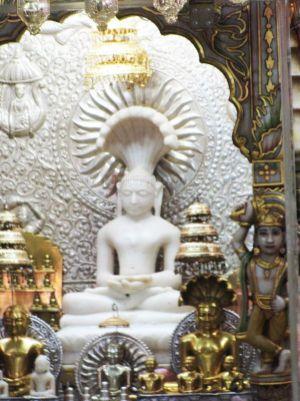 sri_1008_parswanath_swamy_digambar_jain_temple_atishaya_kshetra_vahalna_uttar_pradesh_20120419_1206181921
