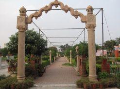 sri_1008_parswanath_swamy_digambar_jain_temple_atishaya_kshetra_vahalna_uttar_pradesh_20120419_1520376682