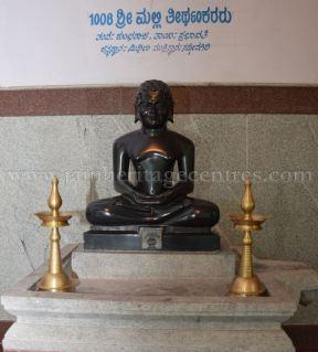 sri_parshwanath_digambar_jain_temple_-_chikkanakodige_-_karnataka_20160515_1199369371