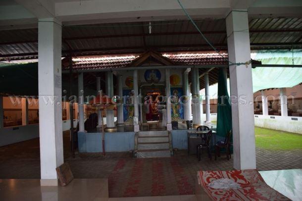sri_parshwanath_digambar_jain_temple_-_chikkanakodige_-_karnataka_20160515_1694013082