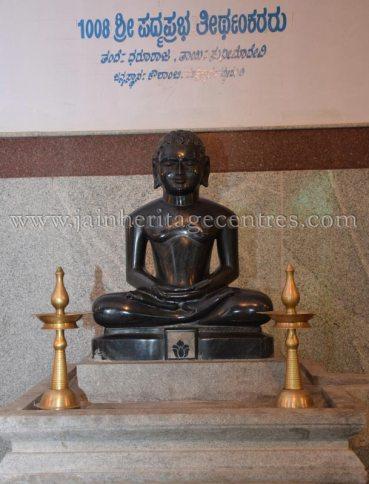 sri_parshwanath_digambar_jain_temple_-_chikkanakodige_-_karnataka_20160515_1942596544