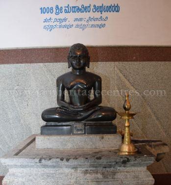 sri_parshwanath_digambar_jain_temple_-_chikkanakodige_-_karnataka_20160515_1958218185