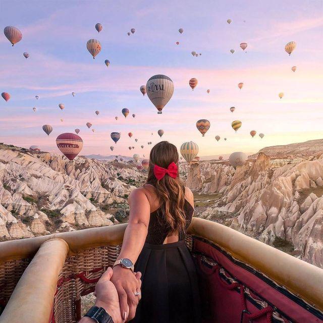 couple in a hot air balloon