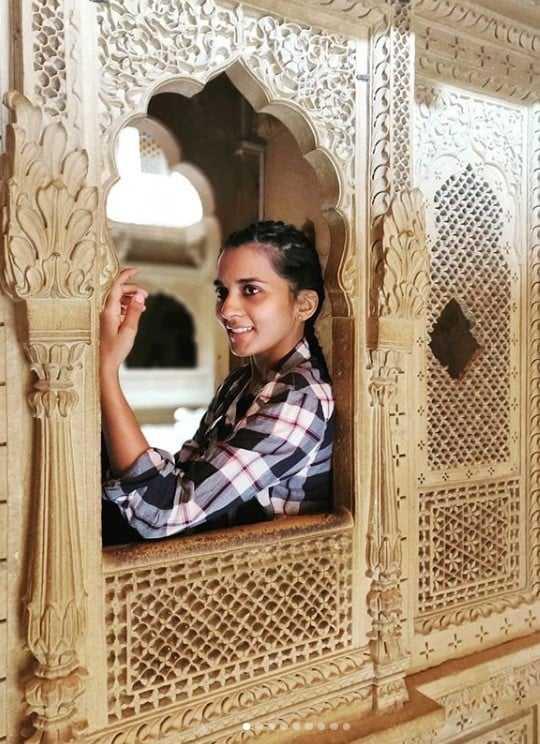दक्षिण भारतीय Actress सिन्धु लोकनाथ ने किया जैसलमेर का भ्रमण 6