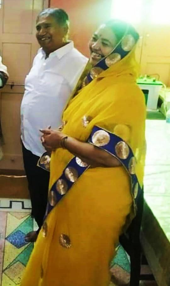 Shiv Narayan Chandak With Wife Chand Kanwar