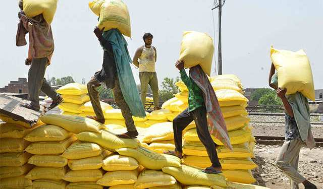 Financial assistance of 5-5 thousand rupees will be given to workers in Delhi