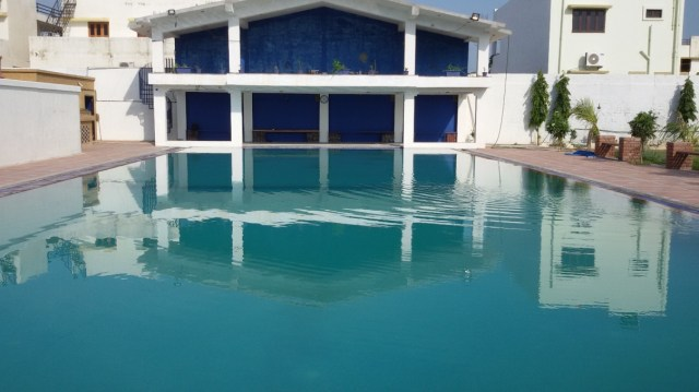 swimming pool size 400000 Lts