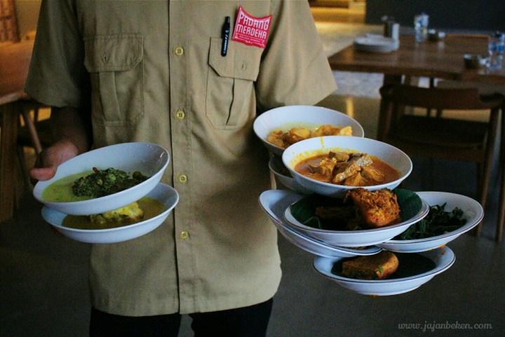 jajanbeken padang merdeka indonesia cuisine