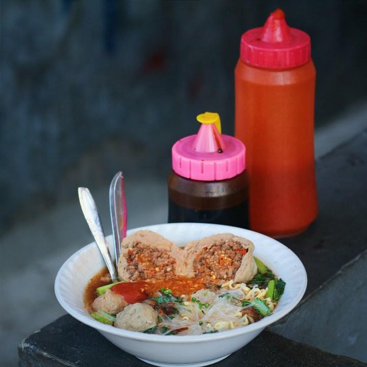 jajanbeken bakso populer di jakarta pusat bakso mercon pak roso salemba 1