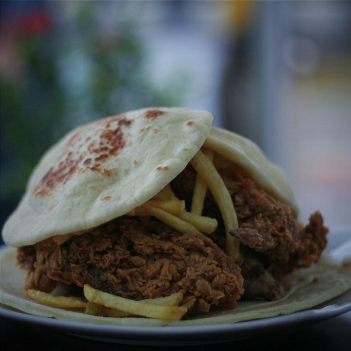 jajanbeken al baek arabian fried chicken middle east restaurant jakarta