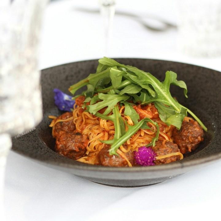 jajanbeken oso ristorante singapore