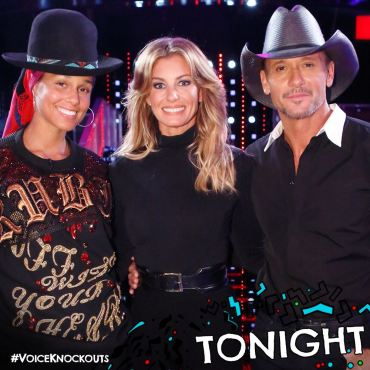 "Alicia Keys poses with Faith Hill & Tim McGraw during a taping of ""The Voice: Season 11"" Knockout Rounds rehearsal. (Photo property of NBC & MGM TV)"