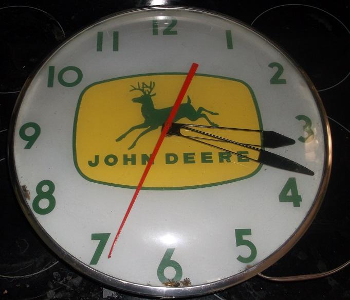 JOHN DEERE ORIGINAL TELECHRON DEALER CLOCK 3 IN VERY