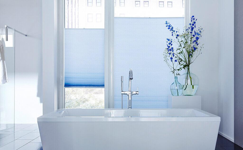 Sichtschutz im Bad  Plissees und Rollos fr Badezimmer