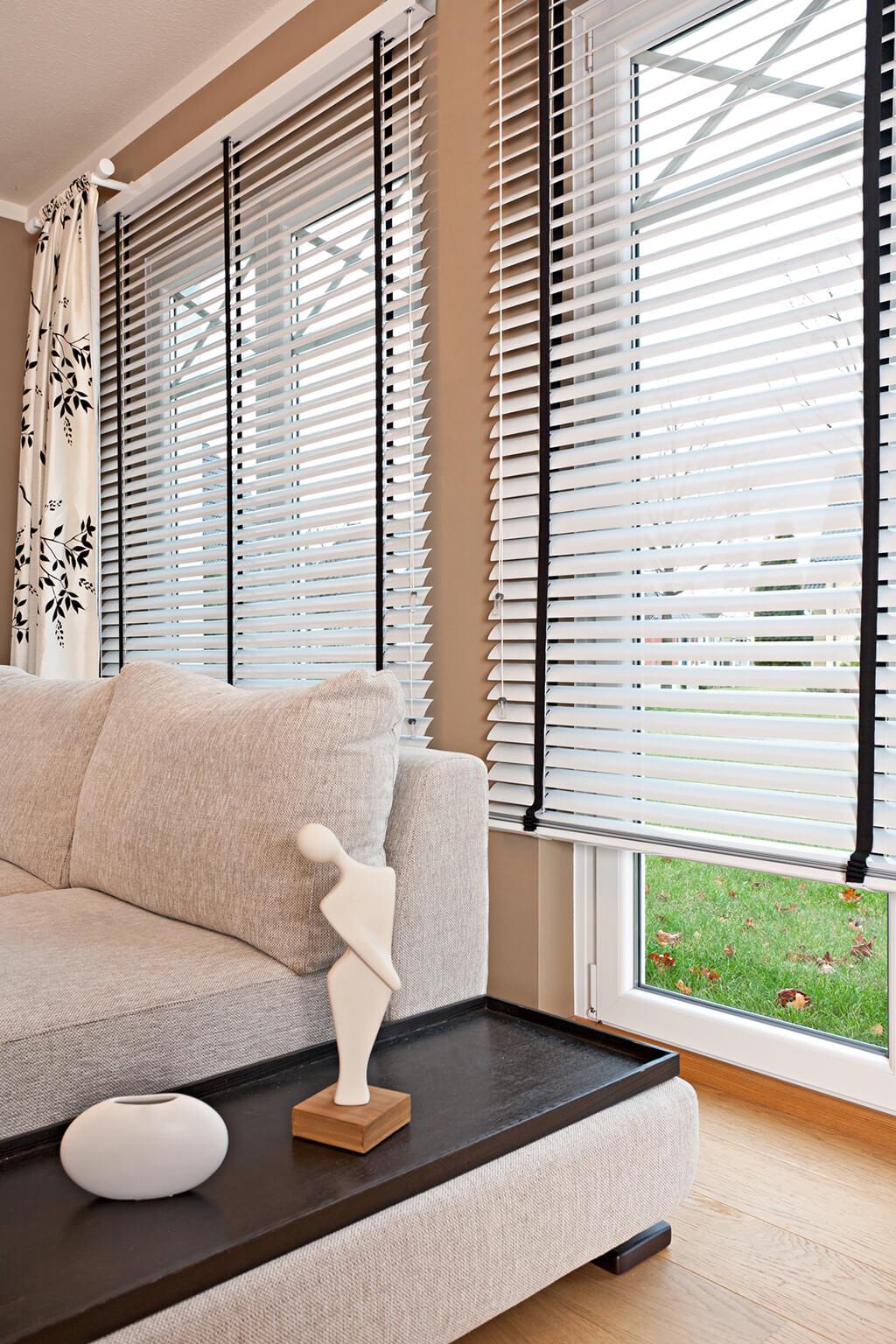 JalouCity Moderne Fensterlsungen fr Wohnzimmer