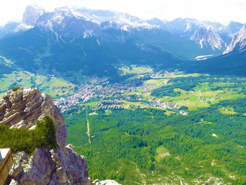 Cortina D'Ampezzo dall'alto Rifugio Faloria