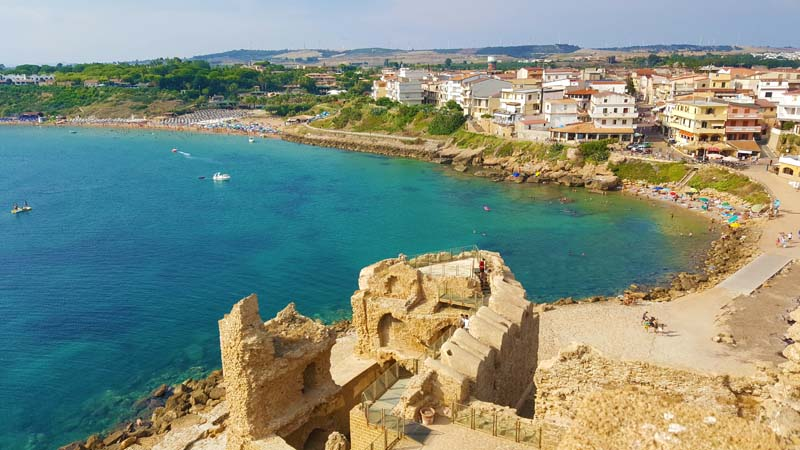 Le Castella tra le spiagge più belle della Calabria