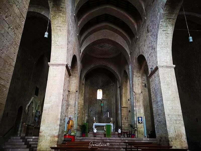 Cosa vedere ad Assisi Abbazia di San Pietro