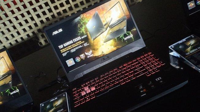 Asus TUF Gaming FX505 terbaru menggunakan prosesor AMD Ryzen Mobile Seri 3000. (Suara.com/Tivan Rahmat)