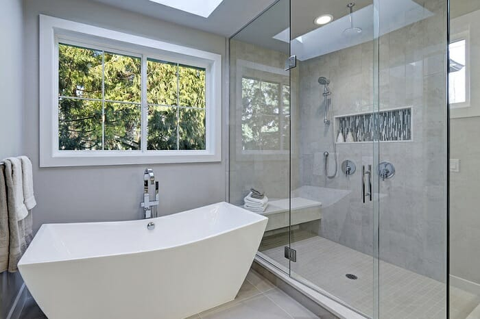 The Pros & Cons of Freestanding Tubs