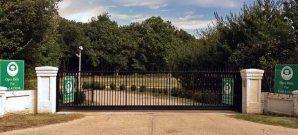 Billingbear Golf Club Gate