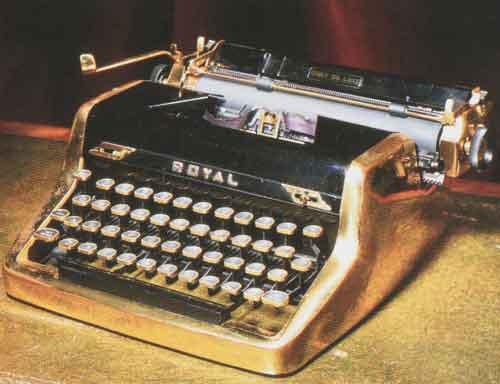 Ian Flemings gold-plated typewriter