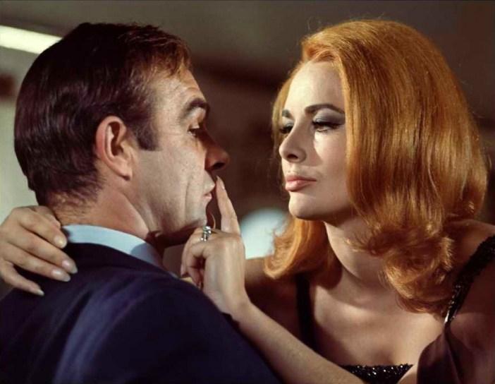 Com 007 Só Se Vive Duas Vezes © 1967 Danjaq LLC, United Artist Corporation.Todos os DireitosReservados.
