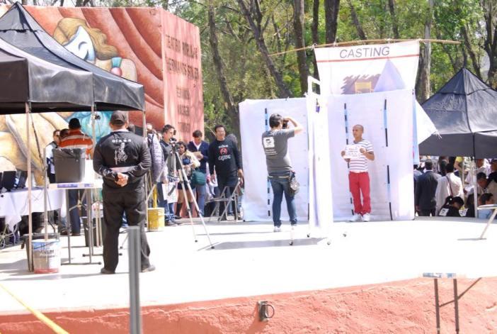 Candidatos fazem fila para seleção de figurantes na Cidade Do México © Extra Casting Mexico