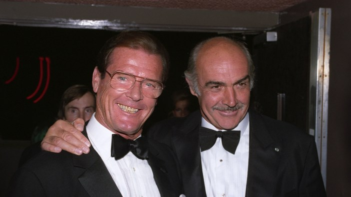 Roger Moore e Sean Connery © WireImage