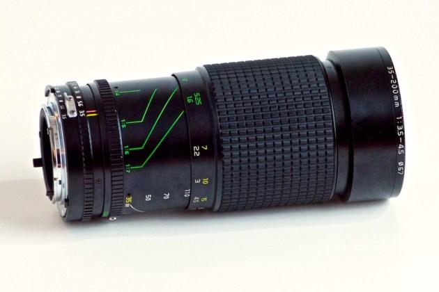 Tokina 35-200mm in Close Focus Mode