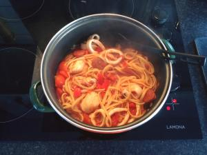 seafood linguine cooking