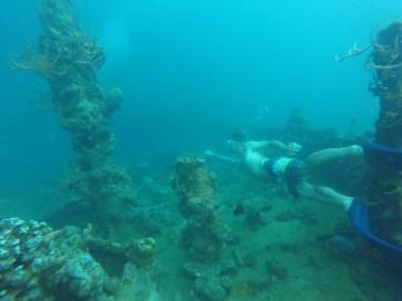 Exploring a sunken japanese submarine hunter from WW2