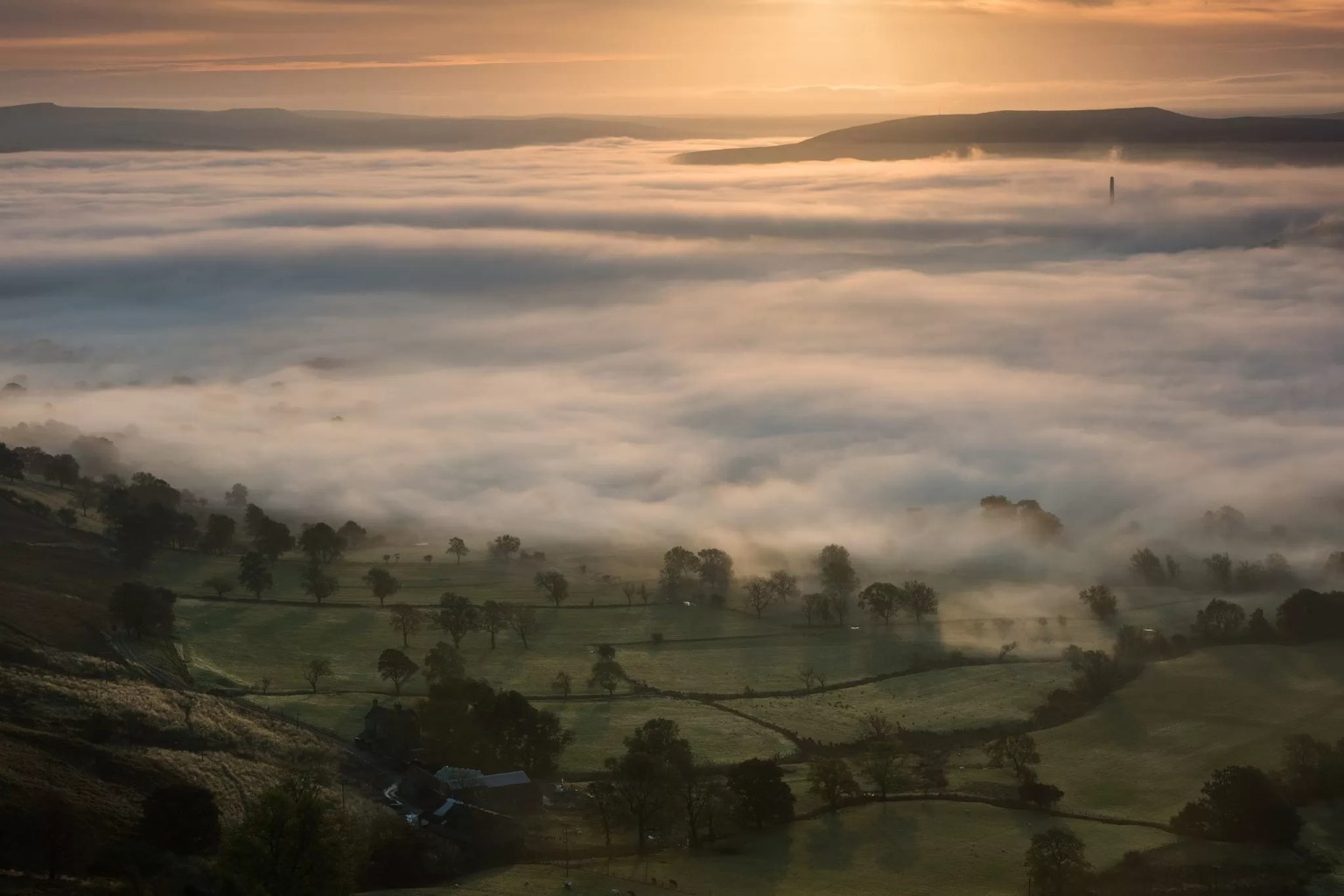 Hope Valley in a blanket of fog from the summit of Mam Tor in Autumn - Mam Tor Photography Location Guide