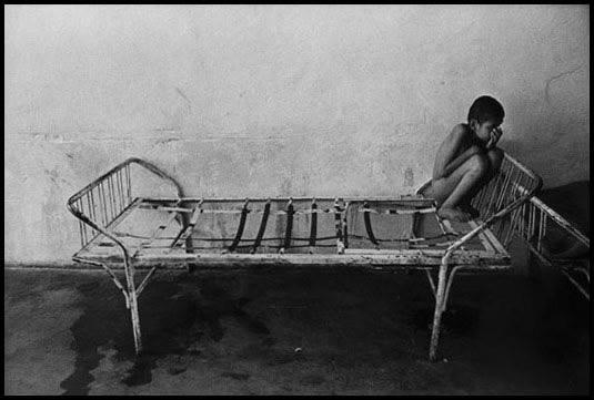 Romania, 1990 - Orfanato para incurables
