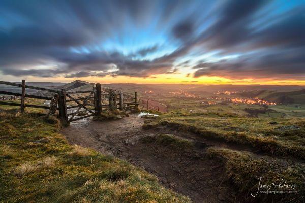 sunrise mam tor in peak