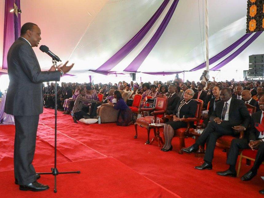 Uhuru responds to Raila's ultimatum, says he will not dialogue on politics