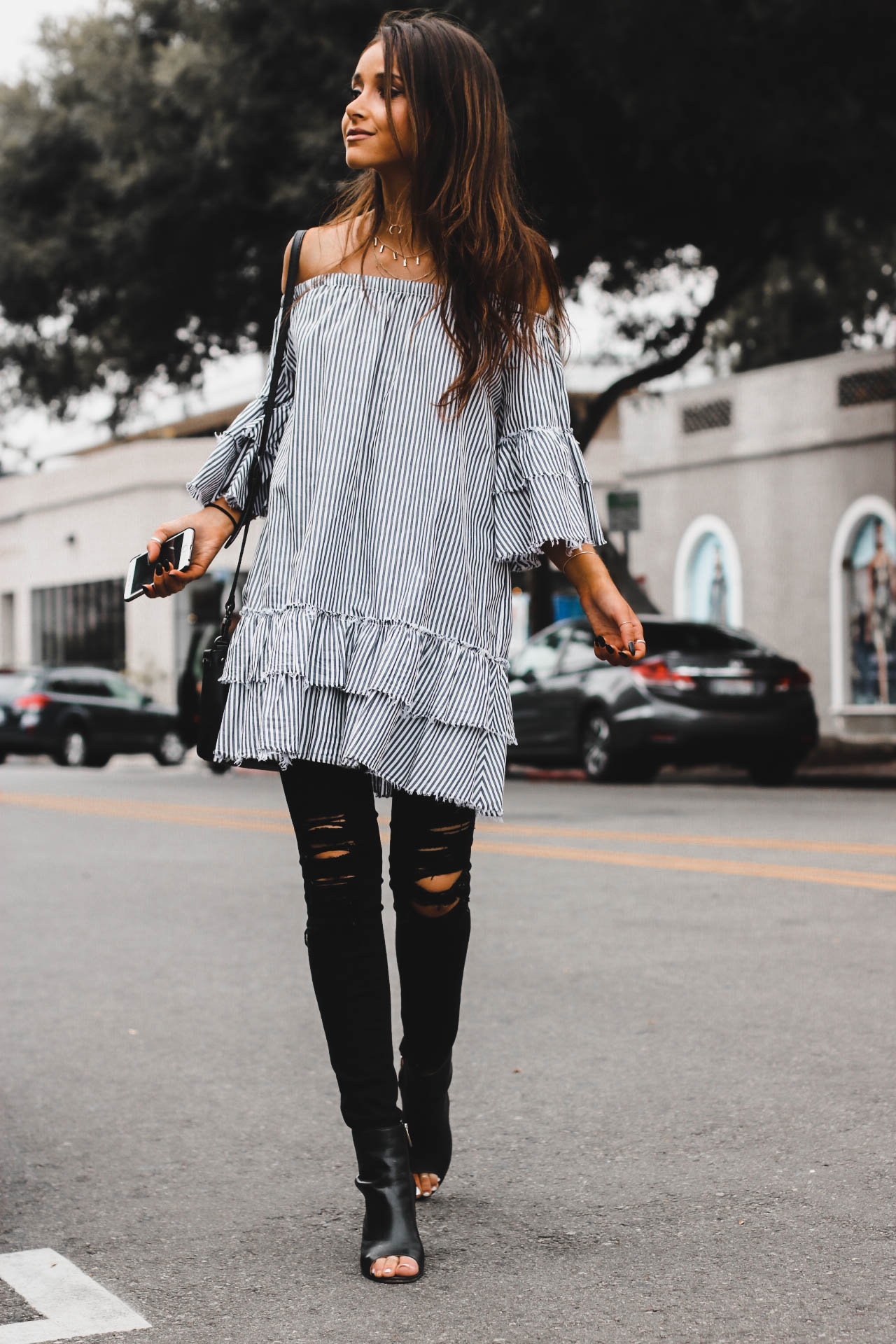photo of jami alix wearing zara ruffle dress ootd street style