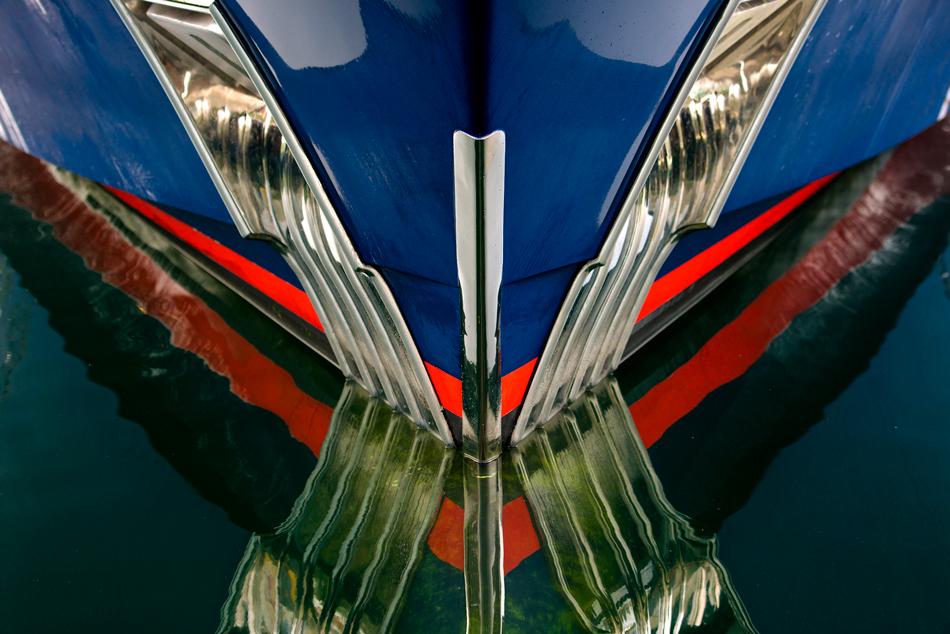 4-Yacht-Bow-On_JMP3398