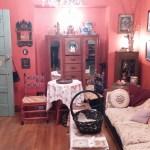 Roots Salon, parlor